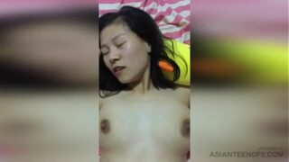 (AMATEUR) Busty Chinese MILF gets fucked by her husband at home
